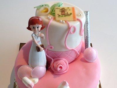 Ijstaart Communietaart met suikerpasta en beeldje jongen meisje